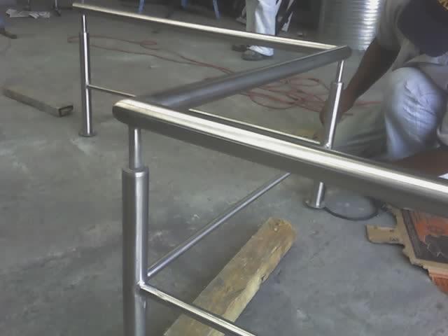 Muebles de acero inoxidable for Brochetas de acero inoxidable